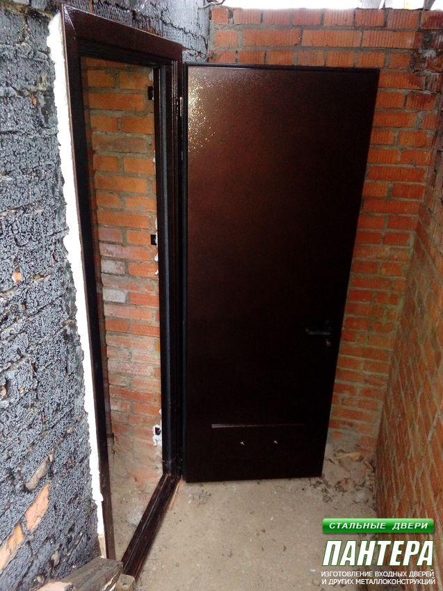 ставим железную дверь
