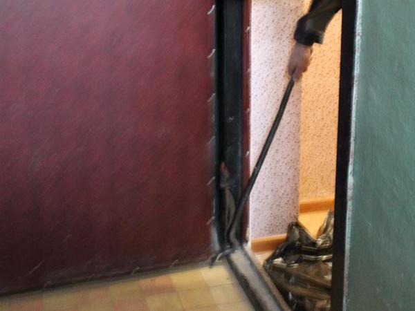 цена на демонтаж входных дверей