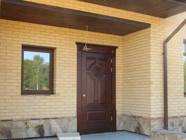 двери в частные дома входные